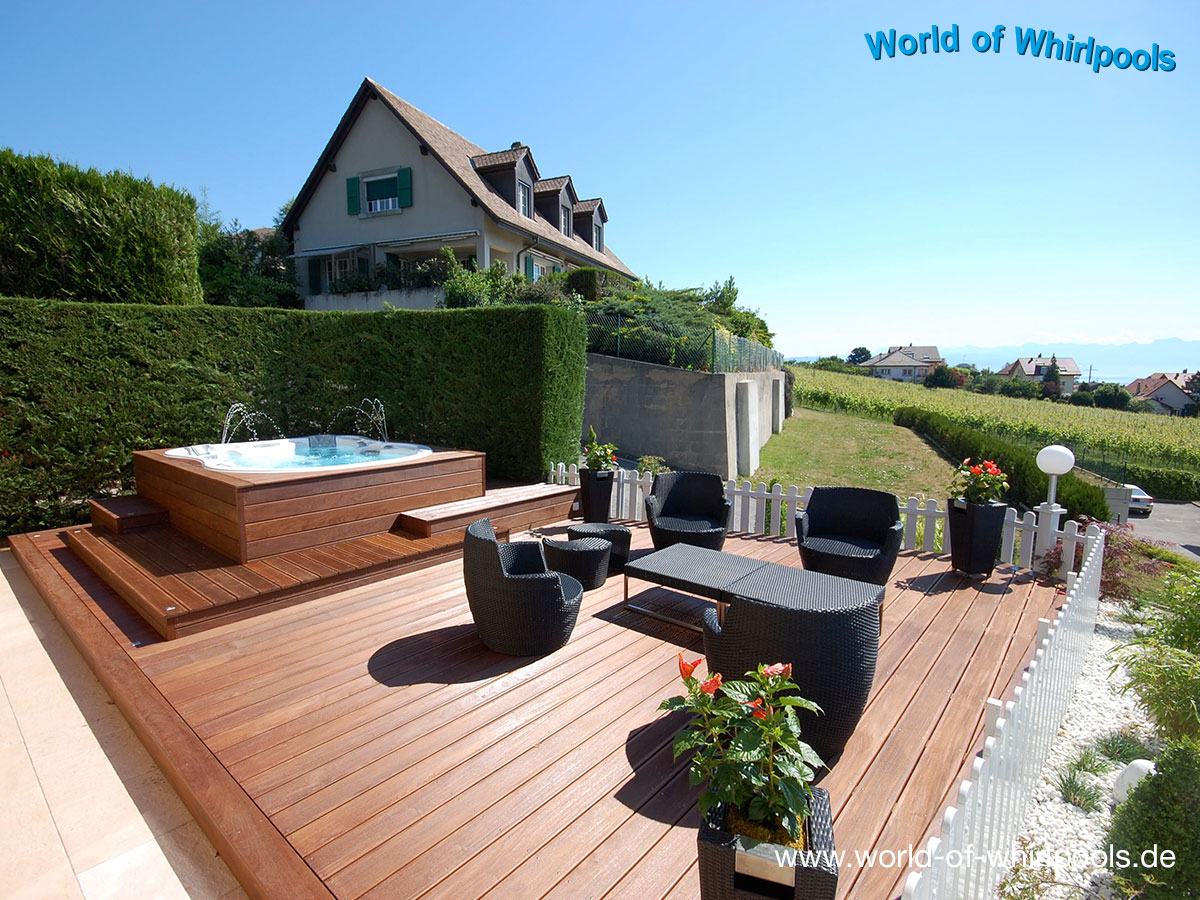Beautiful whirlpool im garten charme badetonne ideas for Whirlpool garten mit balkon pergola