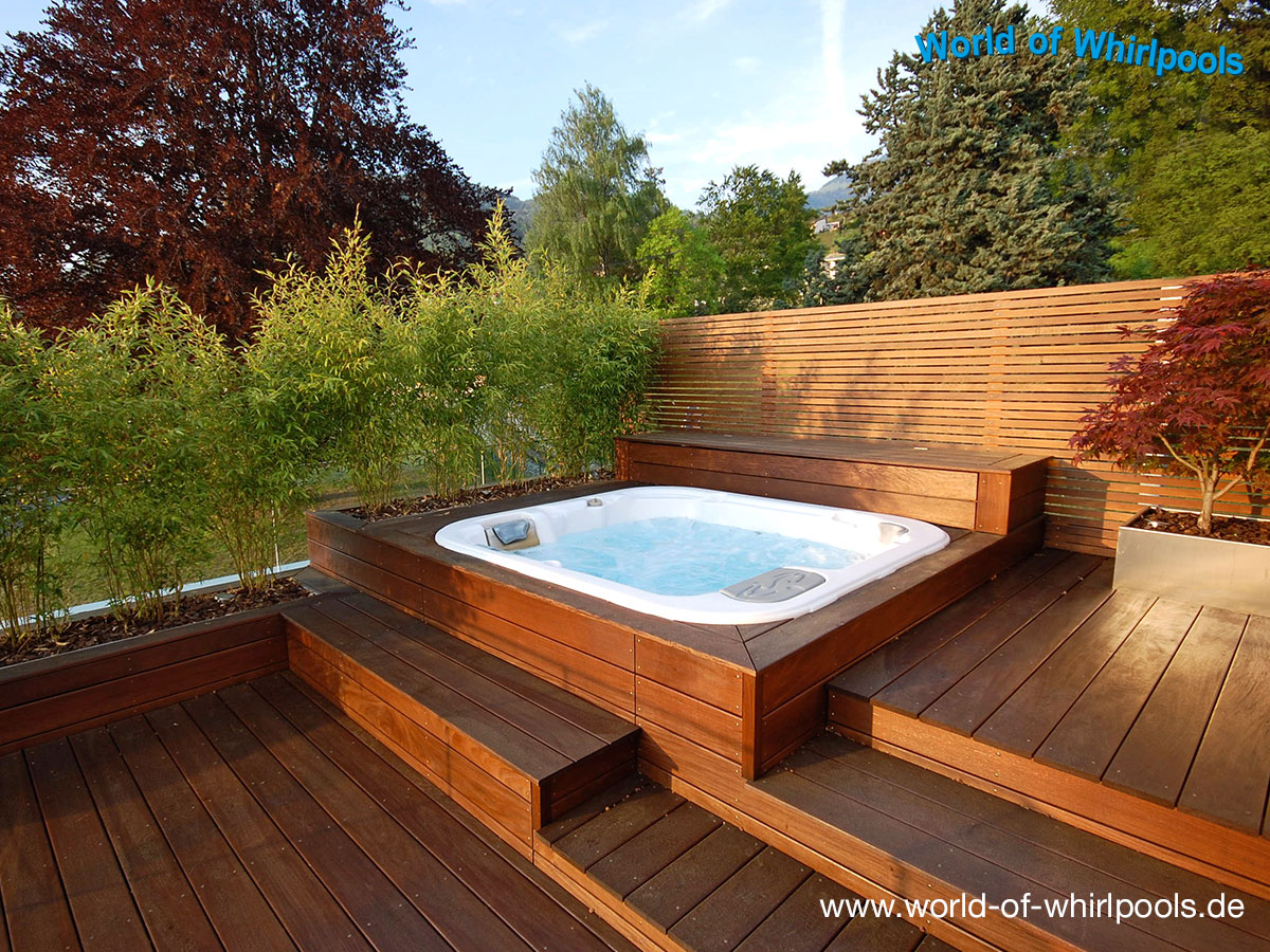 freistehende whirlpools whirlpools nrw f r den garten. Black Bedroom Furniture Sets. Home Design Ideas