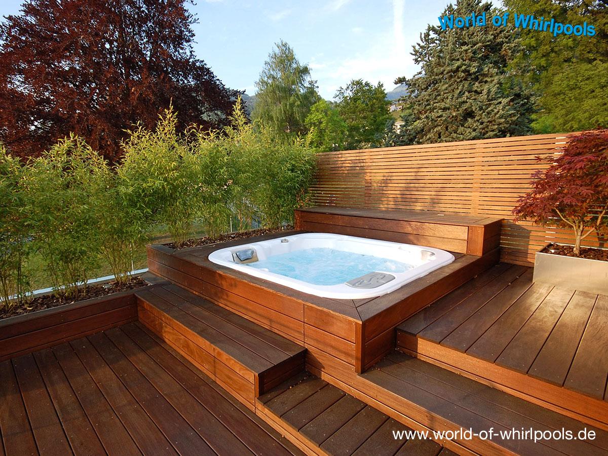 freistehende whirlpools garten whirlpools nrw. Black Bedroom Furniture Sets. Home Design Ideas